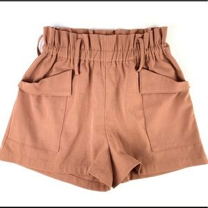 C Luce High Waisted Beige Shorts with Deep Pockets